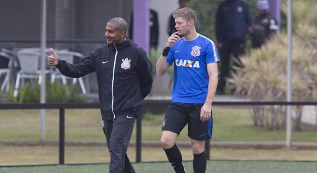 Primeiro treino do Corinthians com o novo técnico Cristóvão Borges