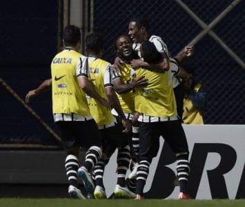 San Lorenzo x Corinthians,(foto:afp)