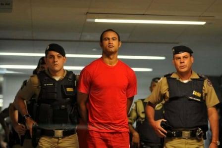 O goleiro Bruno ainda estava preso e com uma longa pena a ser cumprida. Ninguém imaginava que ele voltaria ao futebol