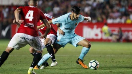 Espanha: Suárez e Messi evitam primeira derrota do Barcelona na liga