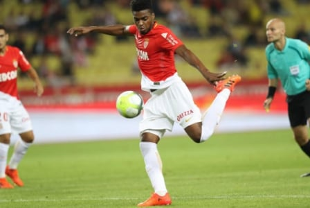 Jemerson - O zagueiro brasileiro também não teve boa atuação e não conseguiu impedir o gol de empate do Montpellier, já nos acréscimos da etapa final.