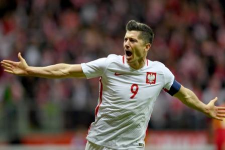 Quem cruzar o caminho da Polônia na Copa vai precisar parar o artilheiro Robert Lewandowski, do Bayern de Munique