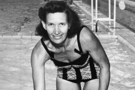 A natação brasileira deve muito a Maria Lenk, que foi a primeira sul-americana a participar de uma Olímpiada. O feito aconteceu em 1932. Ela é a maior nadadora da história do Brasil e única representante do país no Hall da Fama da natação.