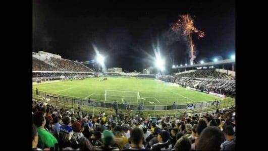 Estádio Lacerdão - no jogo Central 1x0 Sport