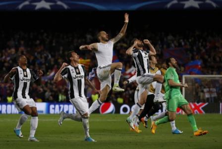 Ninguém ganhou mais o Campeonato Italiano do que a Juventus  33 vezes campeã ca52d81128328