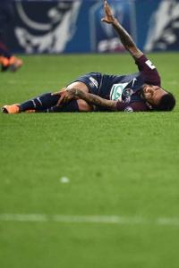 Daniel Alves lesionado