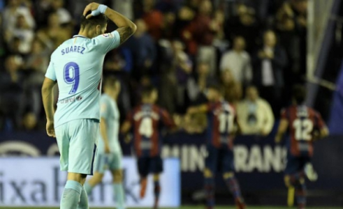 Suárez - Levante x Barcelona