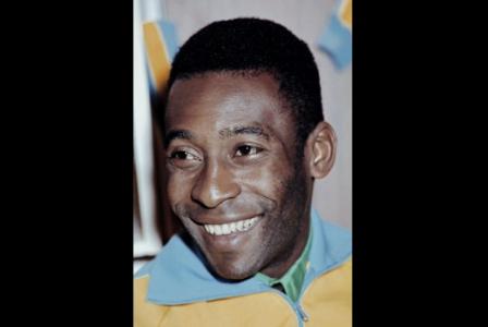 Pelé marcou o único gol brasileiro no amistoso com a Áustria em julho de 1971. Empate por 1 a 1 no Morumbi