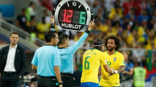 Sérvia x Brasil  Substituição Marcelo