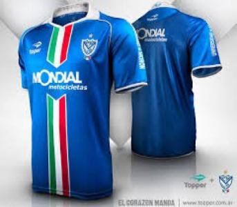 Listras mais largas e camisa azul  uniformes do Flu são aprovados ... 95756f1a8f6dc