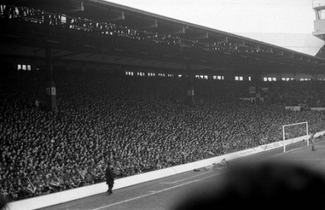 The Kop, em Anfield, casa do Liverpool