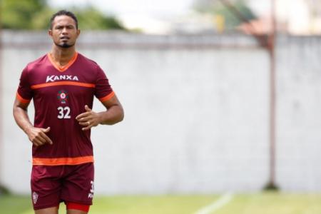 O goleiro Bruno é o caso mais grave envolvendo acusação e esporte. Em 2010, quando atuava pelo Flamengo, ele participou do planejamento da morte da modelo Eliza Samúdio, então grávida de seu filho. O jogador foi condenado a 22 anos de prisão