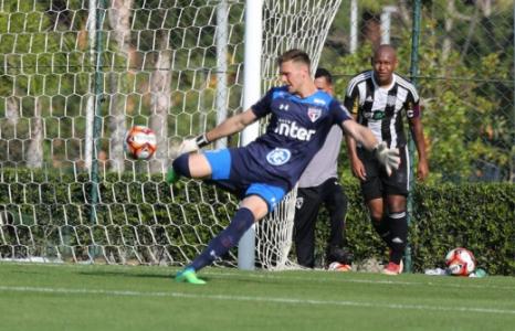 9647d2fda2 Lucas Perri em ação pelo Brasileirão de Aspirantes