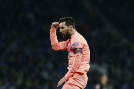 Messi recebe 5ª Chuteira de Ouro  os números do craque em cada ... 00e91ab753882