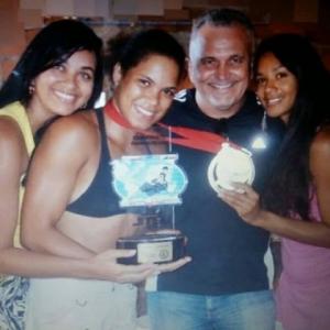 Amanda Nunes e o treinador Ricardo Carvalho