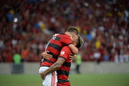 Flamengo x LDU Gabigol e Everton Ribeiro