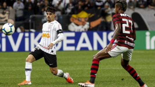 Corinthians x Flamengo Fagner e Bruno Henrique