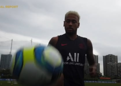 Neymar no treino do PSG