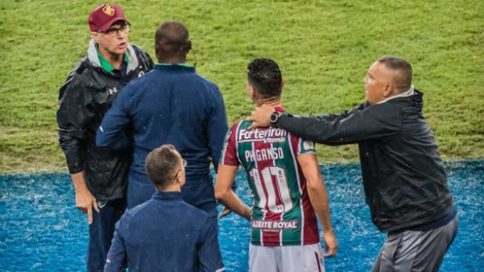 Fluminense x Santos - Ganso discute com Oswaldo de Oliveira