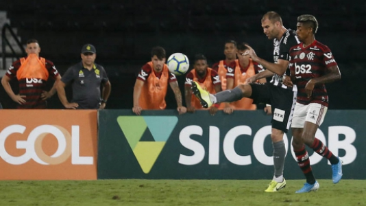 Botafogo x Flamengo - Carli