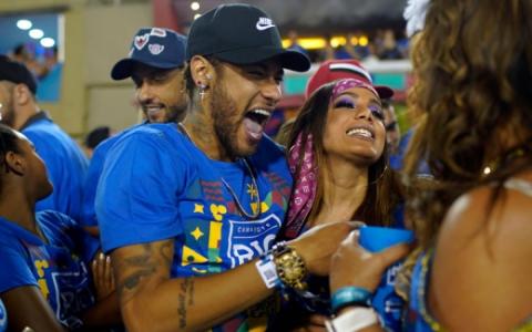 Anitta e Neymar - Carnaval