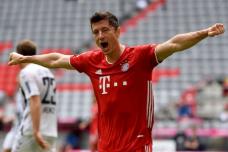 Bayern x Freiburg - Lewandowski