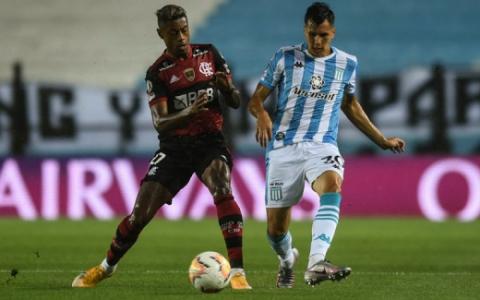 Racing x Flamengo - Bruno Henrique