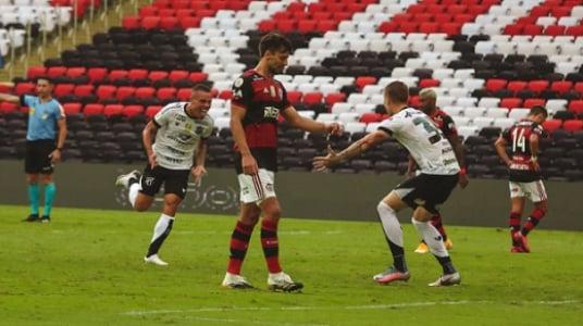 Flamengo 0 x 2 Ceará