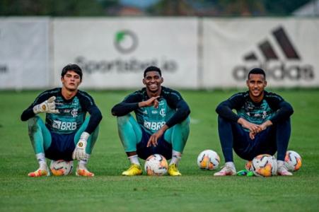 João Fernando, Hugo Souza e Gabriel Batista - Flamengo
