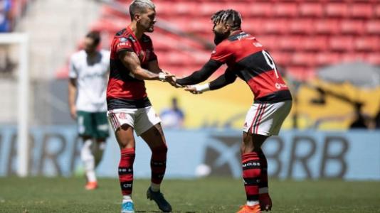 Flamengo x Palmeiras Supercopa do Brasil - Arrascaeta e Gabigol