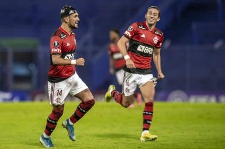 Vélez x Flamengo - Arrascaeta e Filipe Luís