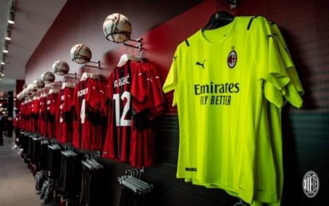 Nova camisa do Milan