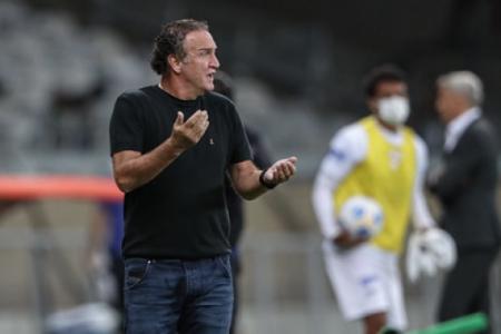 """Cuca viu o Galo sempre no controle do jogo sem passar """"sustos"""" diante do São Paulo"""