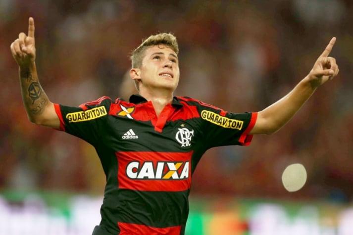 Flamengo perde na Argentina e é eliminado da Libertadores
