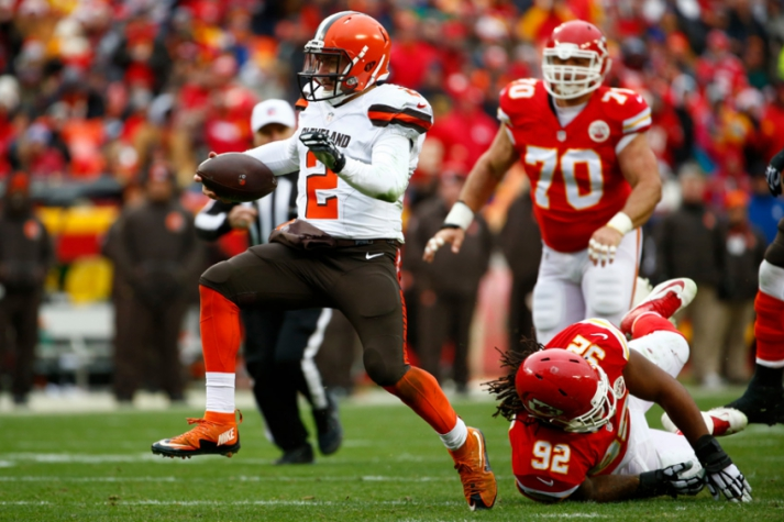 CLEVELAND BROWNS x KANSAS CITY CHIEFS (foto:PETER AIKEN / GETTY IMAGES NORTH AMERICA / AFP)