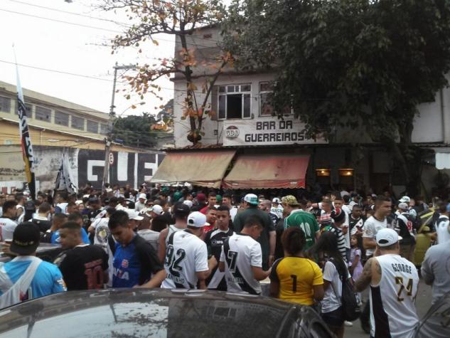 Torcida de Palmeiras e Vasco 9d990949fa050