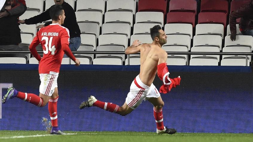 HOME - Benfica x Zenit - Liga dos Campeões - Jonas (Foto: Francisco Leong/AFP)