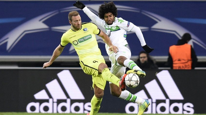 HOME - Gent x Wolfsburg - Liga dos Campeões - Depoitre e Dante (Foto: Jhon Thys/AFP)