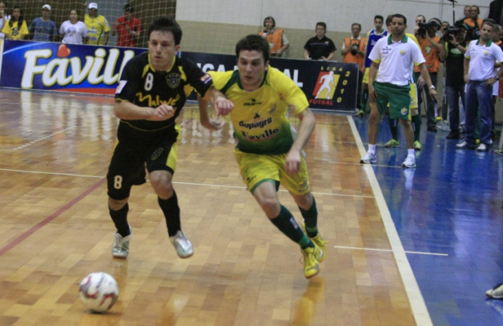 d1f657ff503b0 Primeiro jogo da final da Liga Futsal - 2010 - Copagril x Malwee (Foto
