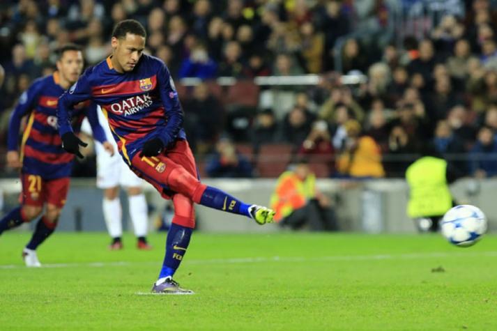 Neymar desperdiça cobrança de pênalti contra a Roma (Foto  Pau Barrena    AFP) 7310204e3fb17