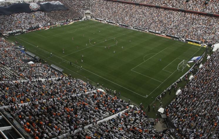 Corinthians entra em campo para  selar  recorde de média de público ... 859fed3a118ee