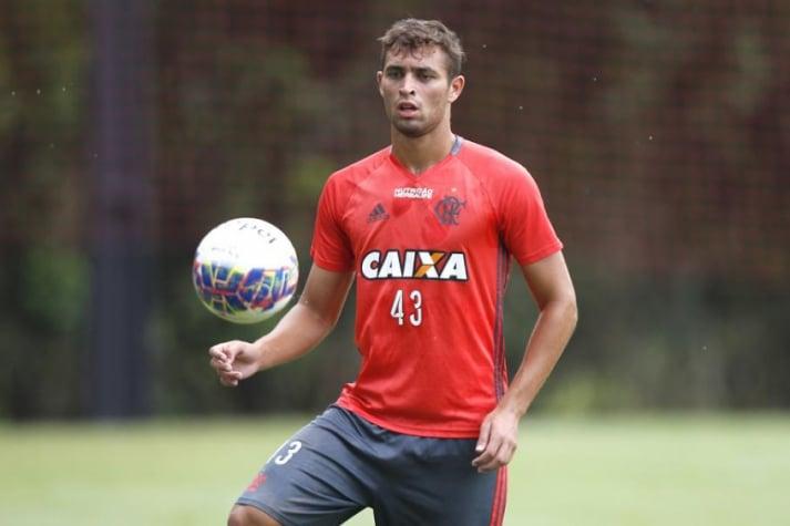 Léo Duarte deve estrear pelo profissional no jogo contra o Bangu (Foto: Gilvan de Souza/Flamengo)