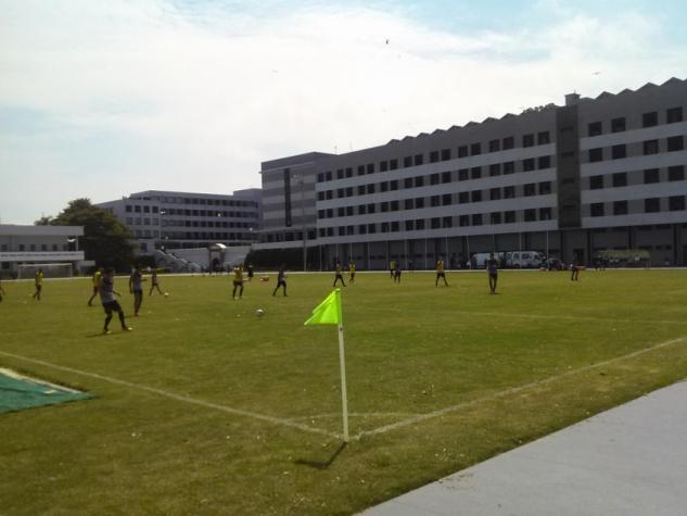 Ainda incompleto, Botafogo faz primeiro treino na Escola