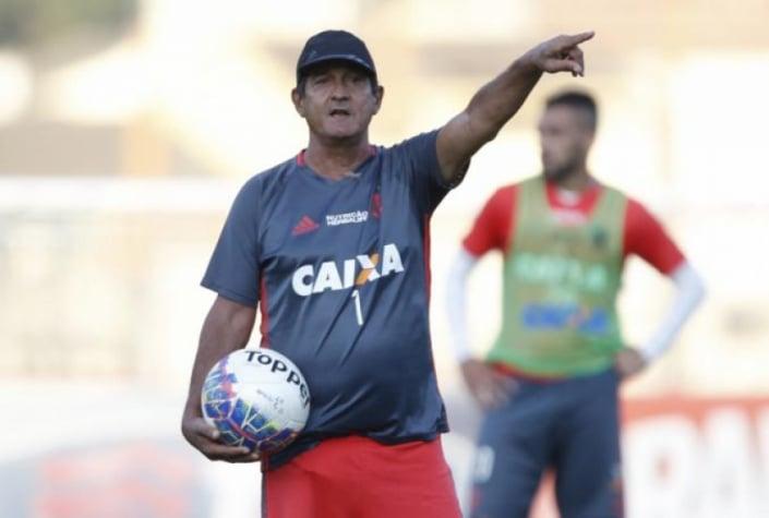 Muricy Ramalho durante treino do Flamengo (Foto  Gilvan de Souza   Flamengo) 0a687adf0f529