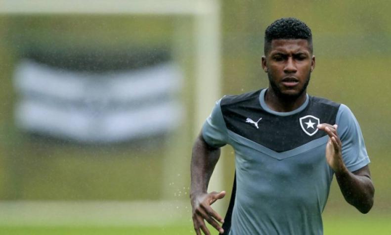 Palmeiras informa o Bota e pagará R$ 5,5 milhões de luvas a Emerson