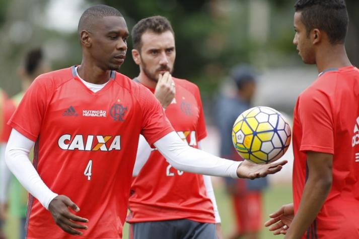 O desafio de Juan: novo capit�o ter� miss�o de resgatar autoestima do Flamengo