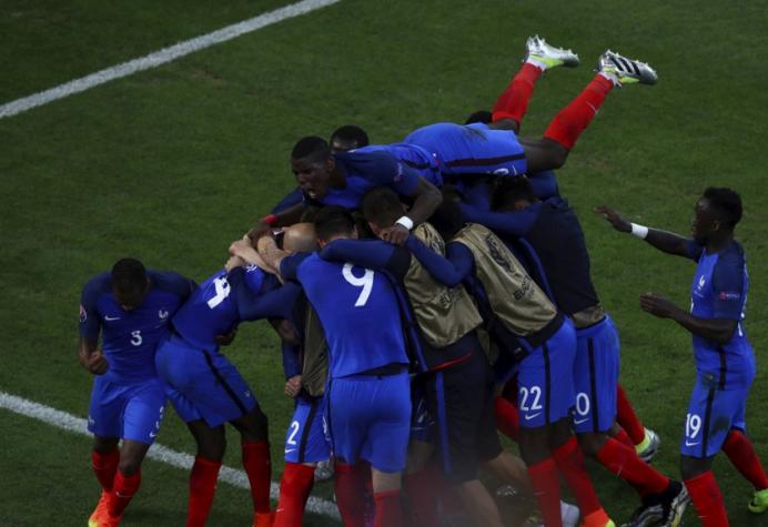 França desencanta no fim e se garante nas oitavas de final da Euro ... 512c8225a97be