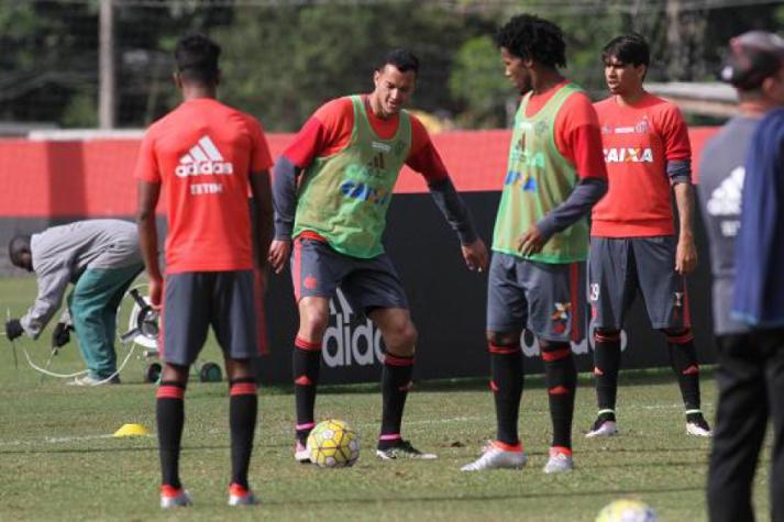 Réver e Rafael Vaz em treino do Flamengo (Gilvan de Souza / Flamengo)