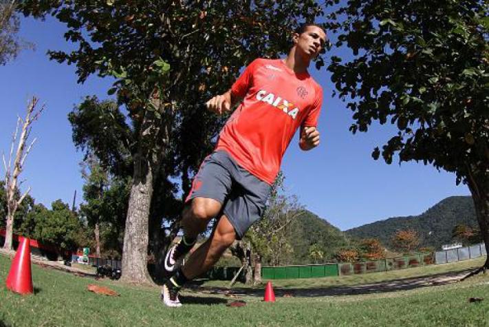 Damião em treino do Flamengo (Gilvan de Souza / Flamengo)