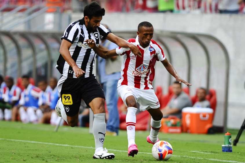 4 a 1 contra o Náutico - 24 de outubro de 2015 - vitória maiúscula fora de casa, que consolidou o Botafogo como líder na competição.